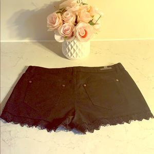 Lace detailed shorts
